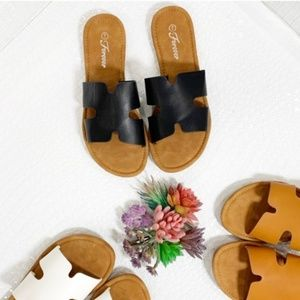 Black Trendy Slide Sandal